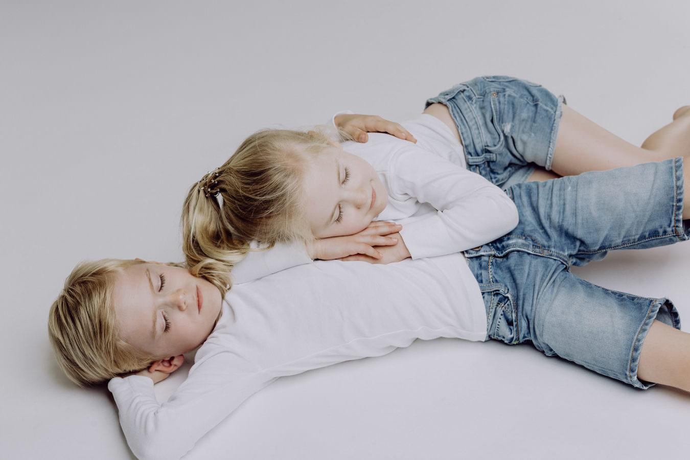 Kinder Fotoshooting zweier Geschwister