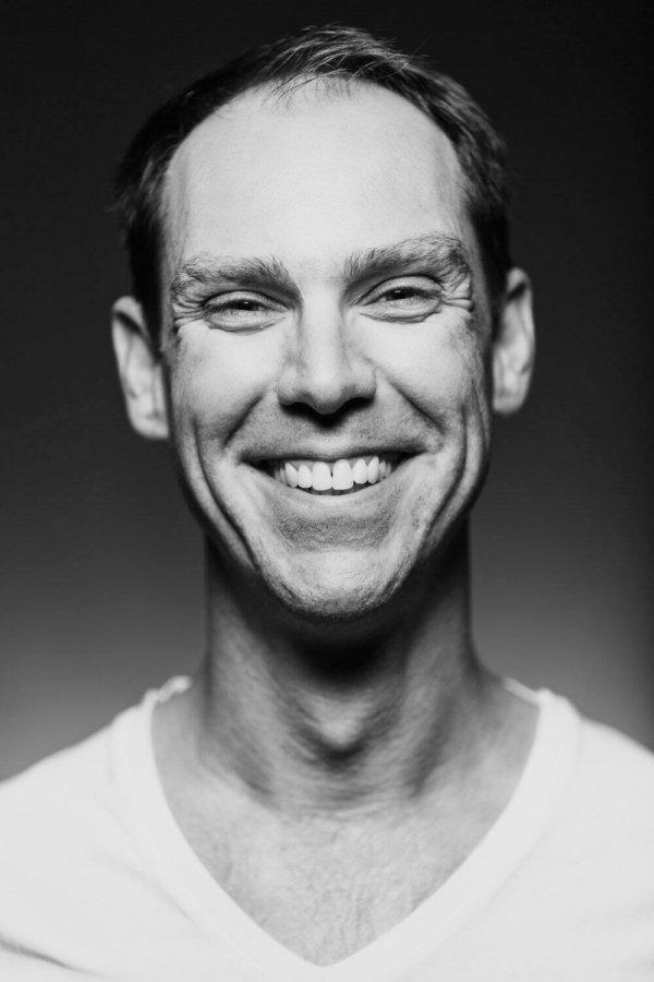 Männer Fotoshooting zeigt Headshot eines Mannes